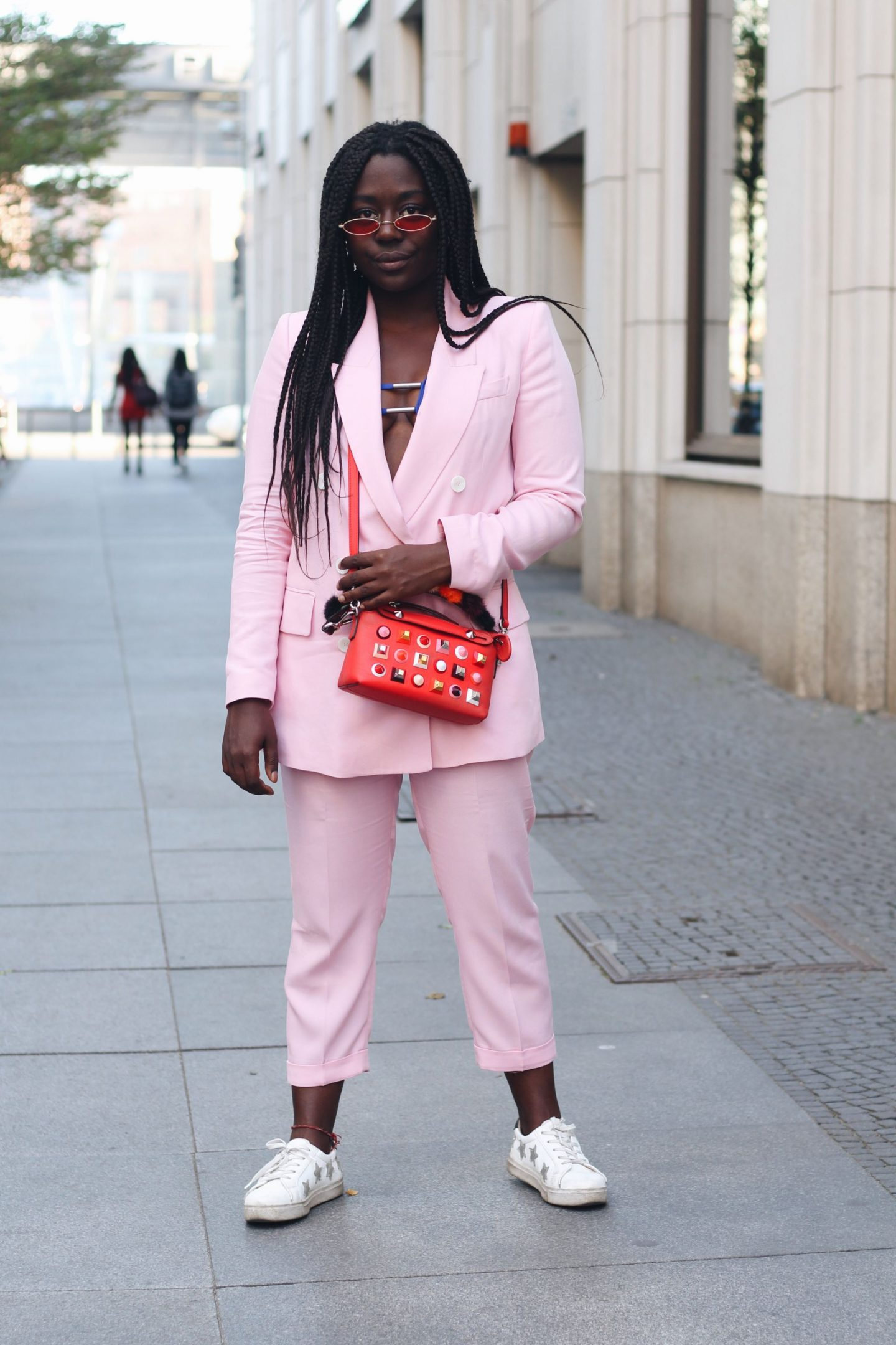 Lois_Opoku_pink_suit_fendi_by_the_way_bag_fasion_week_street_style_lisforlois