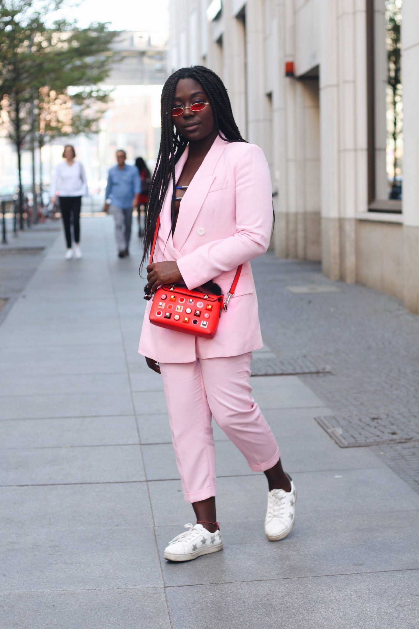 Lois_Opoku_pink_suit_fendi_by_the_way_bag_fasion_week_street_style_lisforlois_5