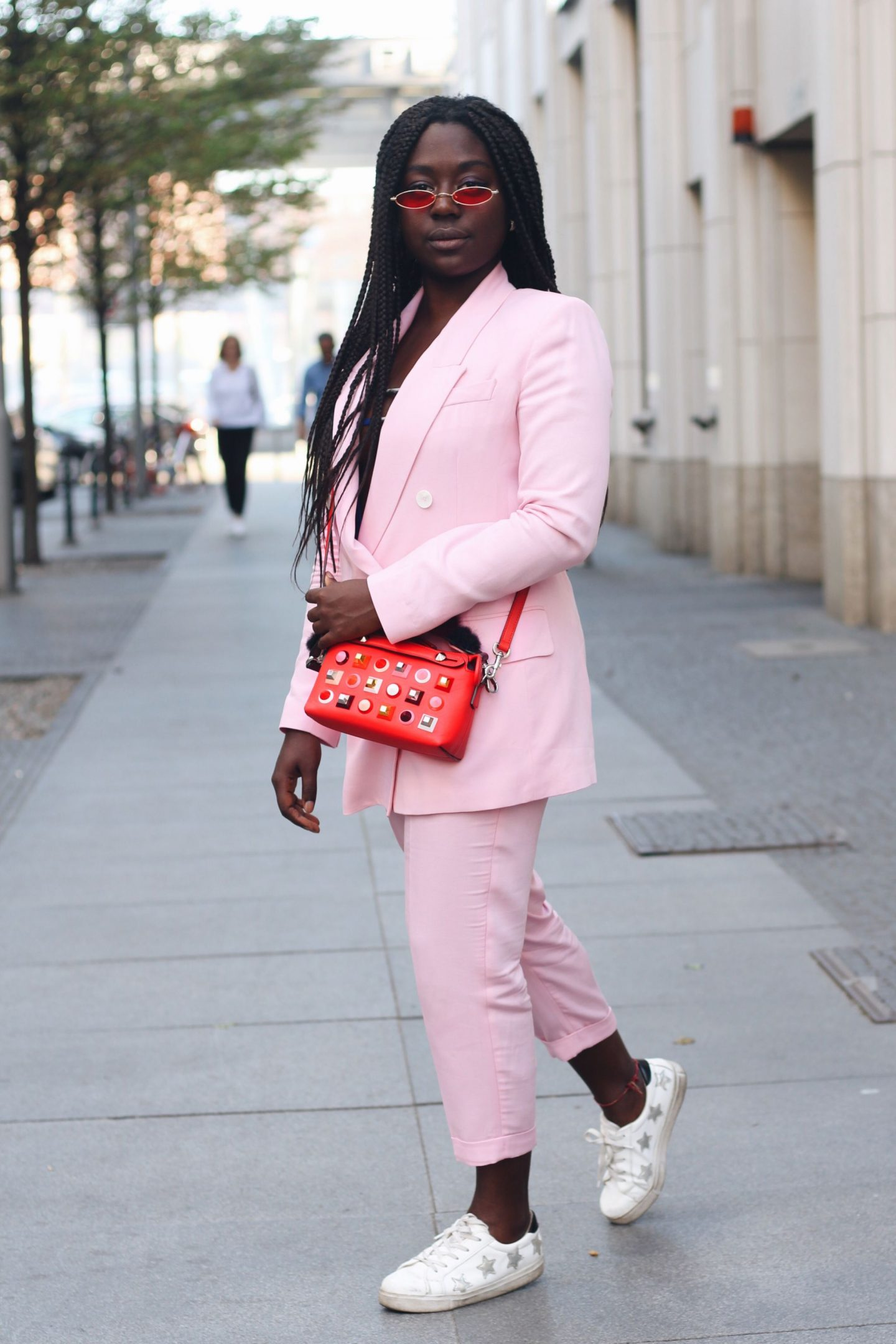 Lois_Opoku_pink_suit_fendi_by_the_way_bag_fasion_week_street_style_lisforlois_8