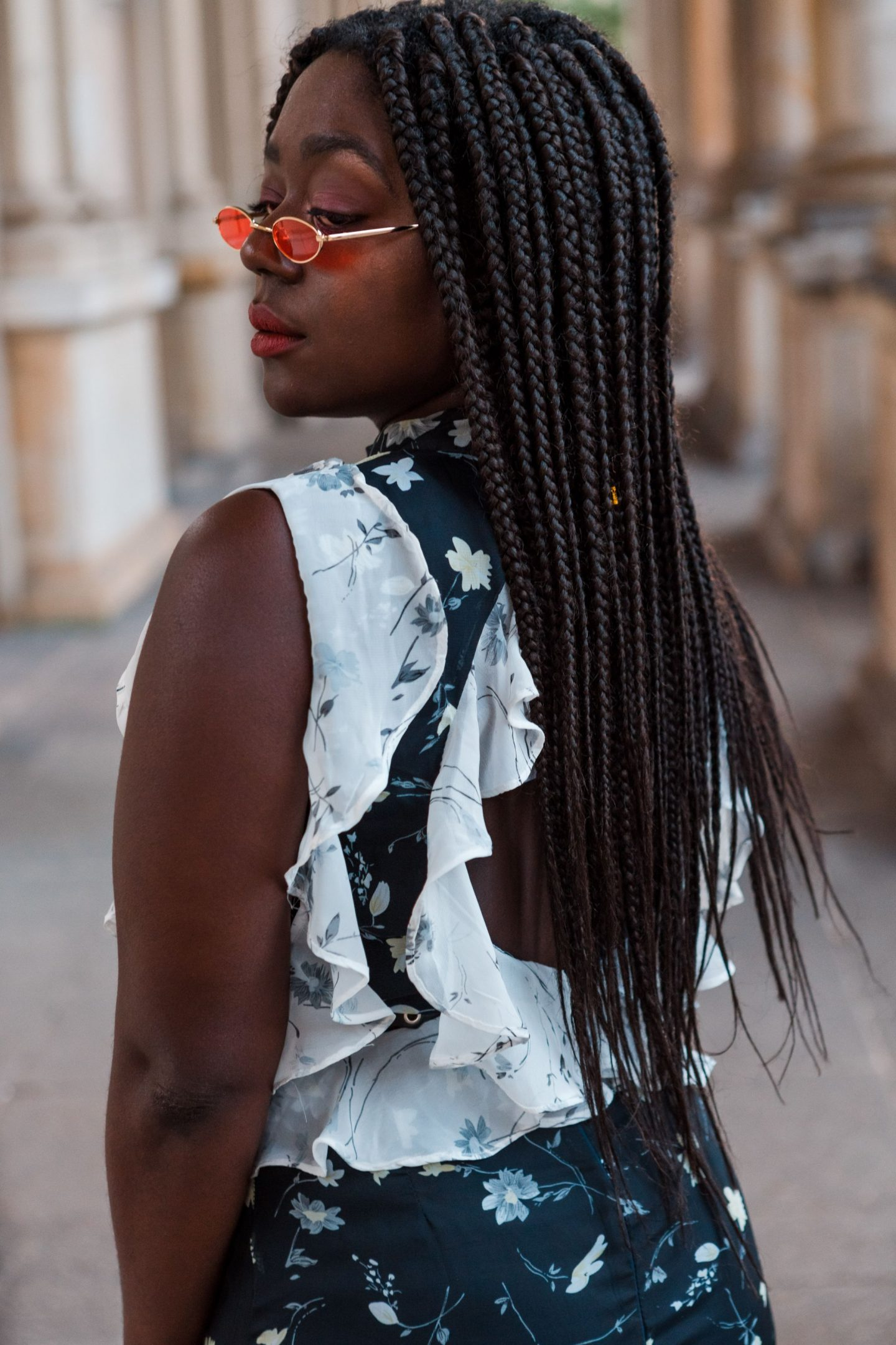 How to wear Micro Sunglasses Trend Lois Opoku