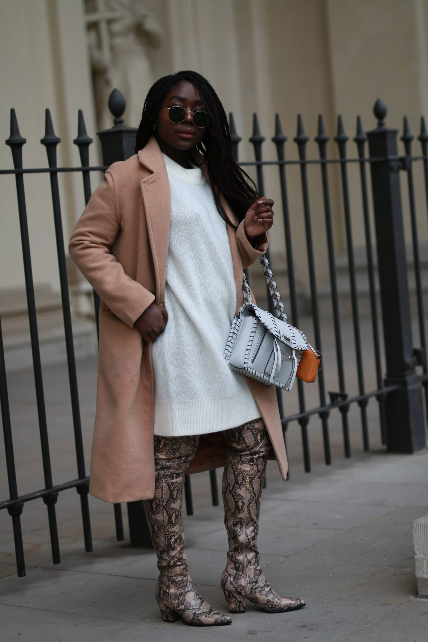 Fall Fashion Lois Opoku Style autmn blogger camel coat overknees