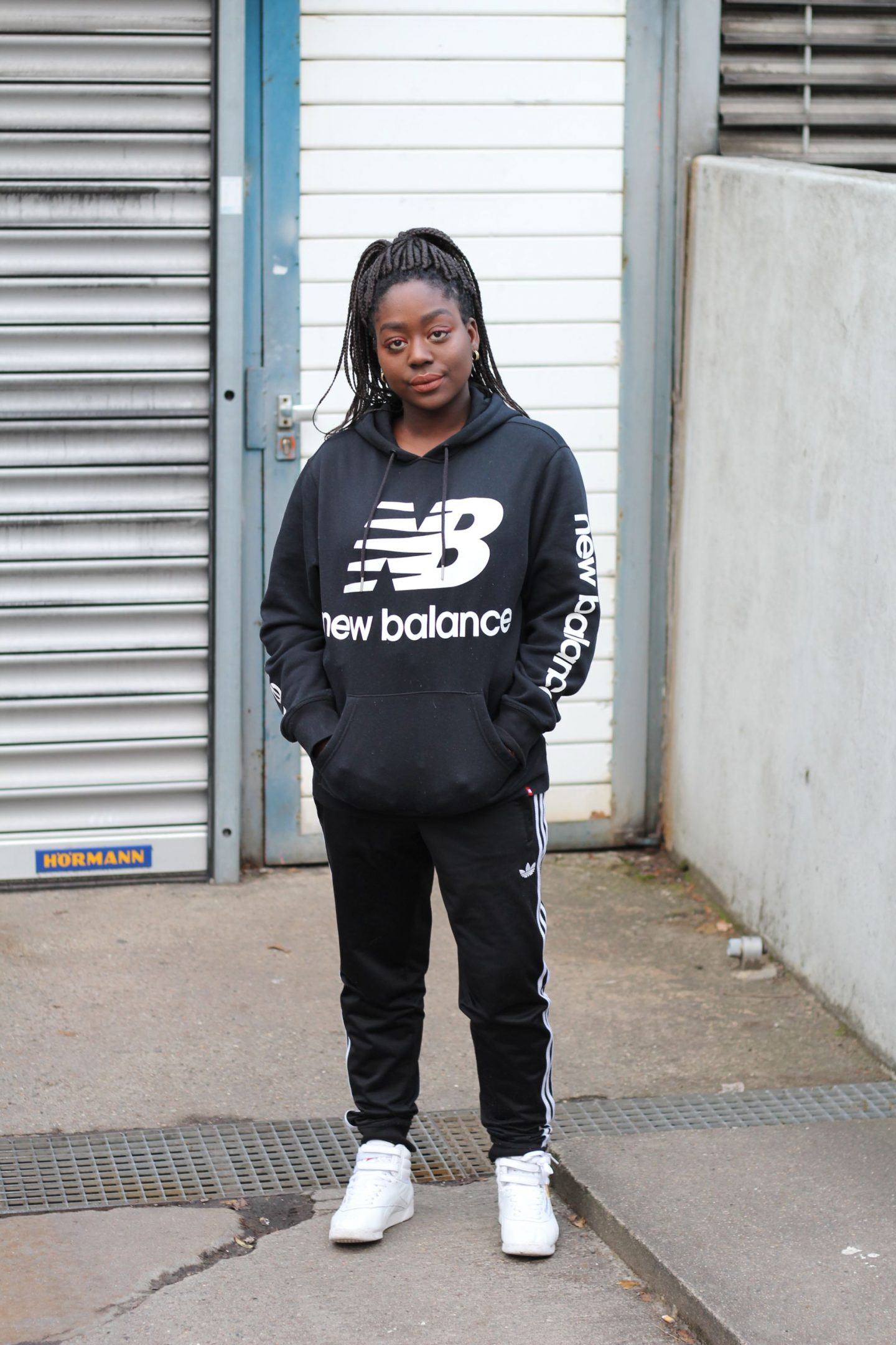 streetwear_chic_reebok_adidas_pants_newbalance_lois_opoku_fashion_blog_style_berlin_lisforlois_