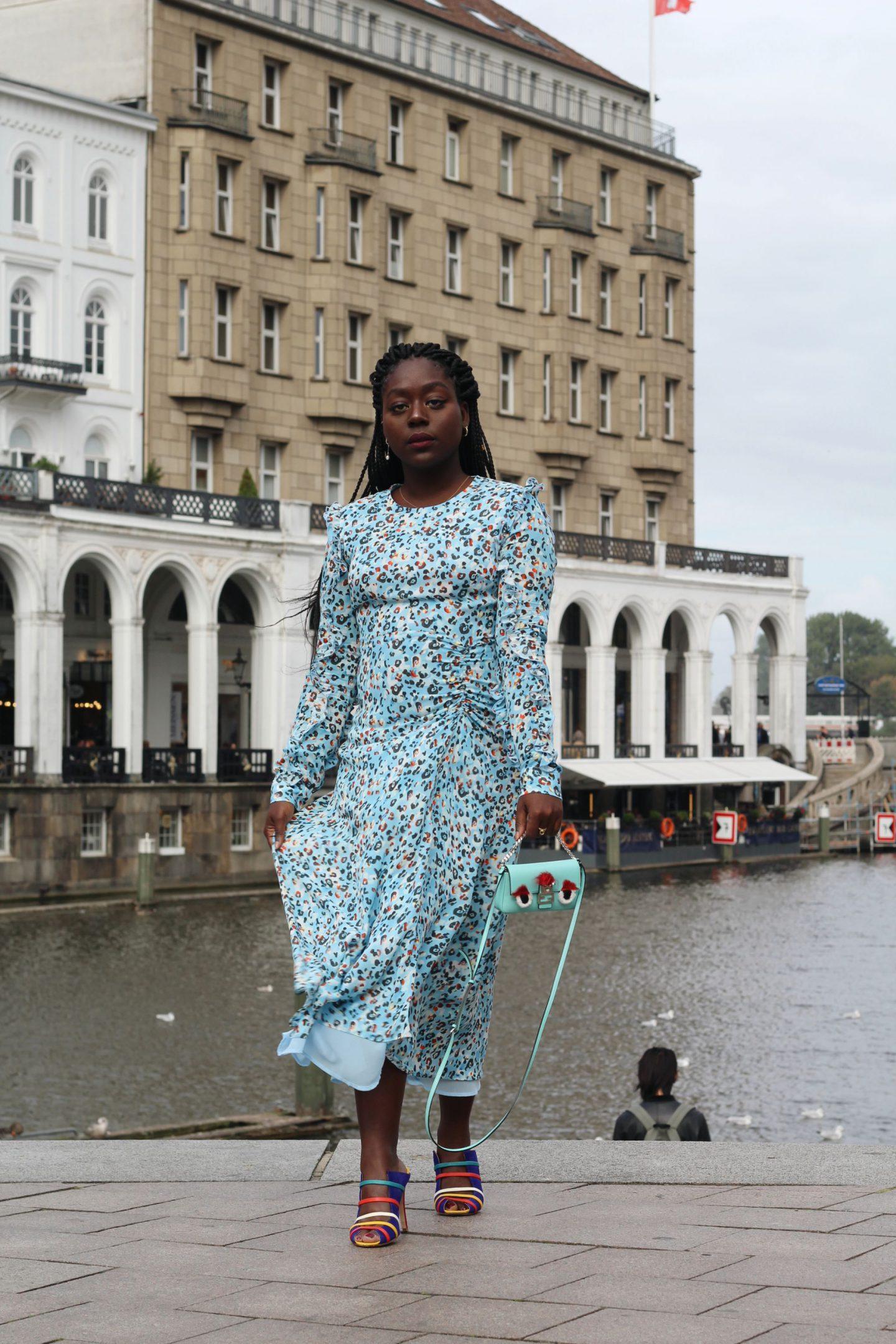 Lala_Berlin_Streetstyle_Lois_Opoku_Fashion_Blogger_Fendi_Monster_Malone_Souliers_1