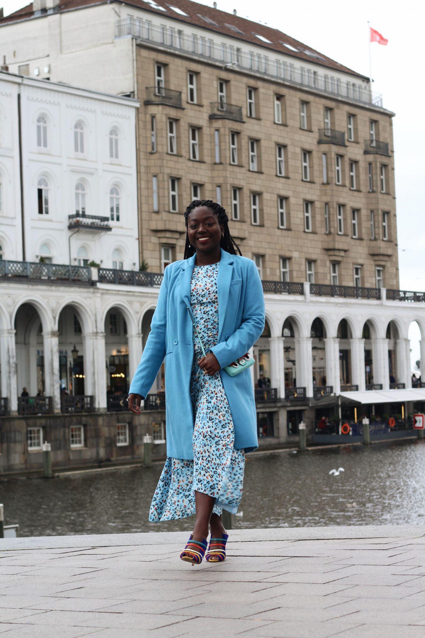 Lala_Berlin_Streetstyle_Lois_Opoku_Fashion_Blogger_Fendi_Monster_Malone_Souliers_lisforlois_11