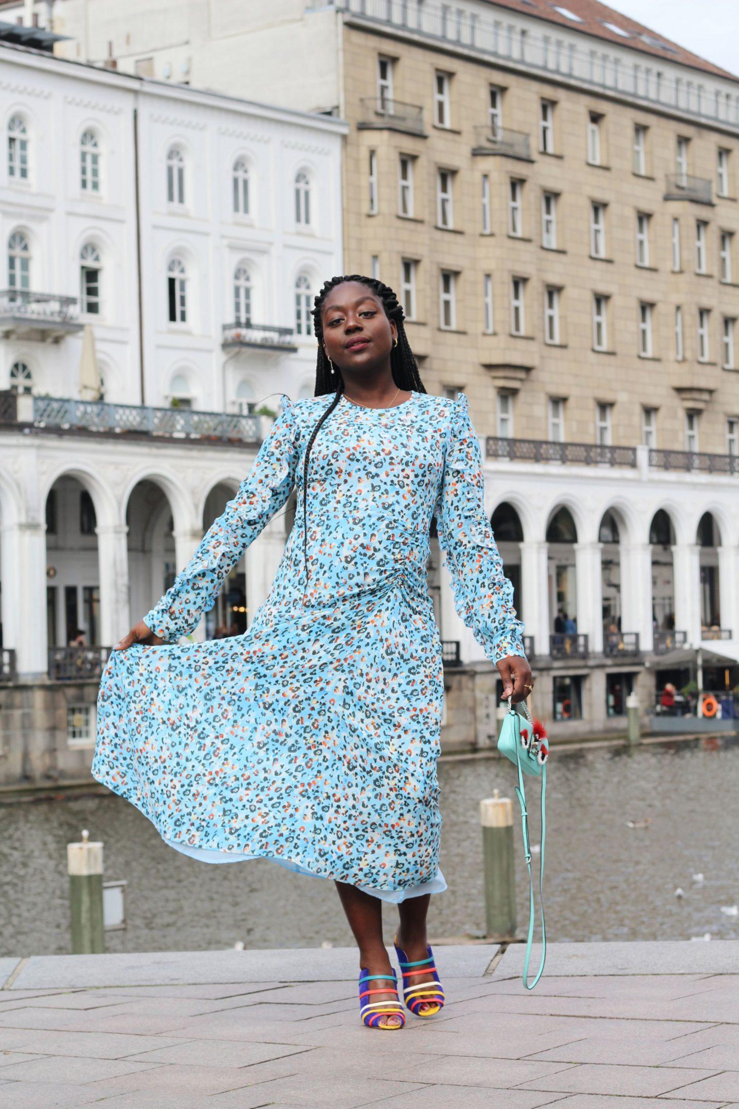 Lala_Berlin_Streetstyle_Lois_Opoku_Fashion_Blogger_Fendi_Monster_Malone_Souliers_lisforlois_13