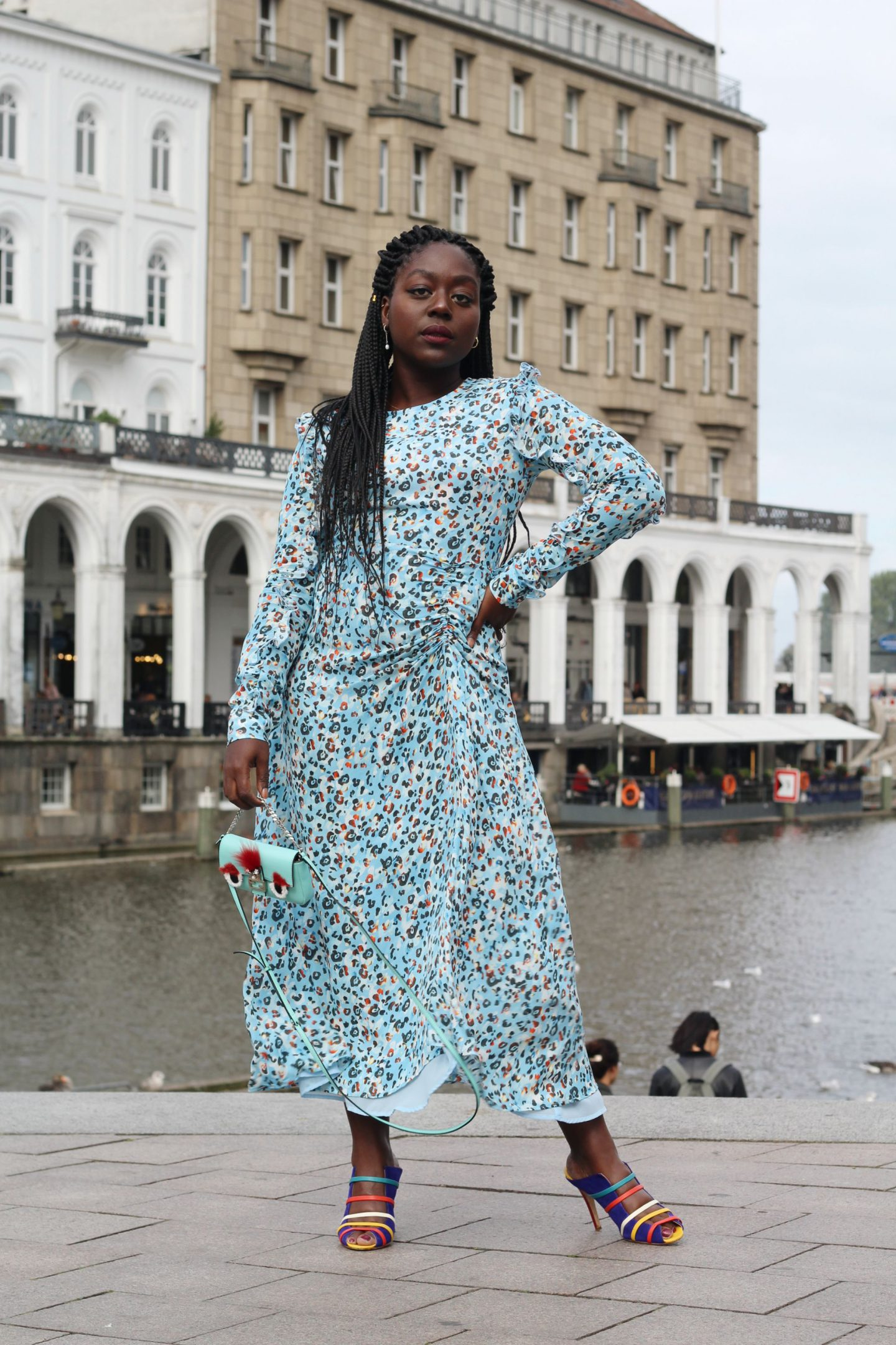 Lala_Berlin_Streetstyle_Lois_Opoku_Fashion_Blogger_Fendi_Monster_Malone_Souliers_lisforlois_4