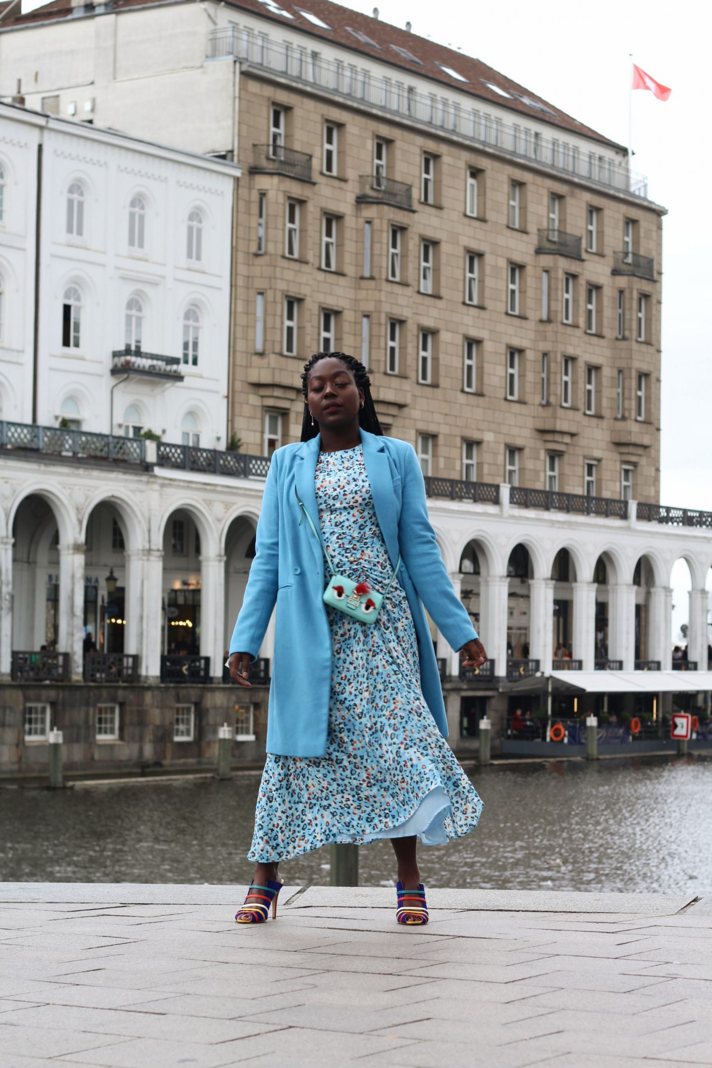 Lala_Berlin_Streetstyle_Lois_Opoku_Fashion_Blogger_Fendi_Monster_Malone_Souliers_lisforlois_6