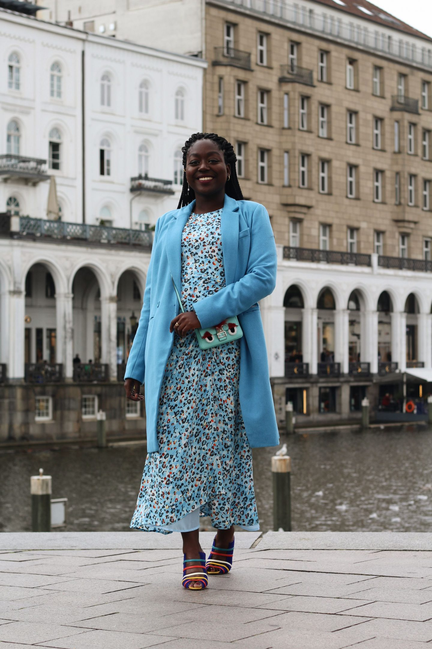 Lala_Berlin_Streetstyle_Lois_Opoku_Fashion_Blogger_Fendi_Monster_Malone_Souliers_lisforlois_9