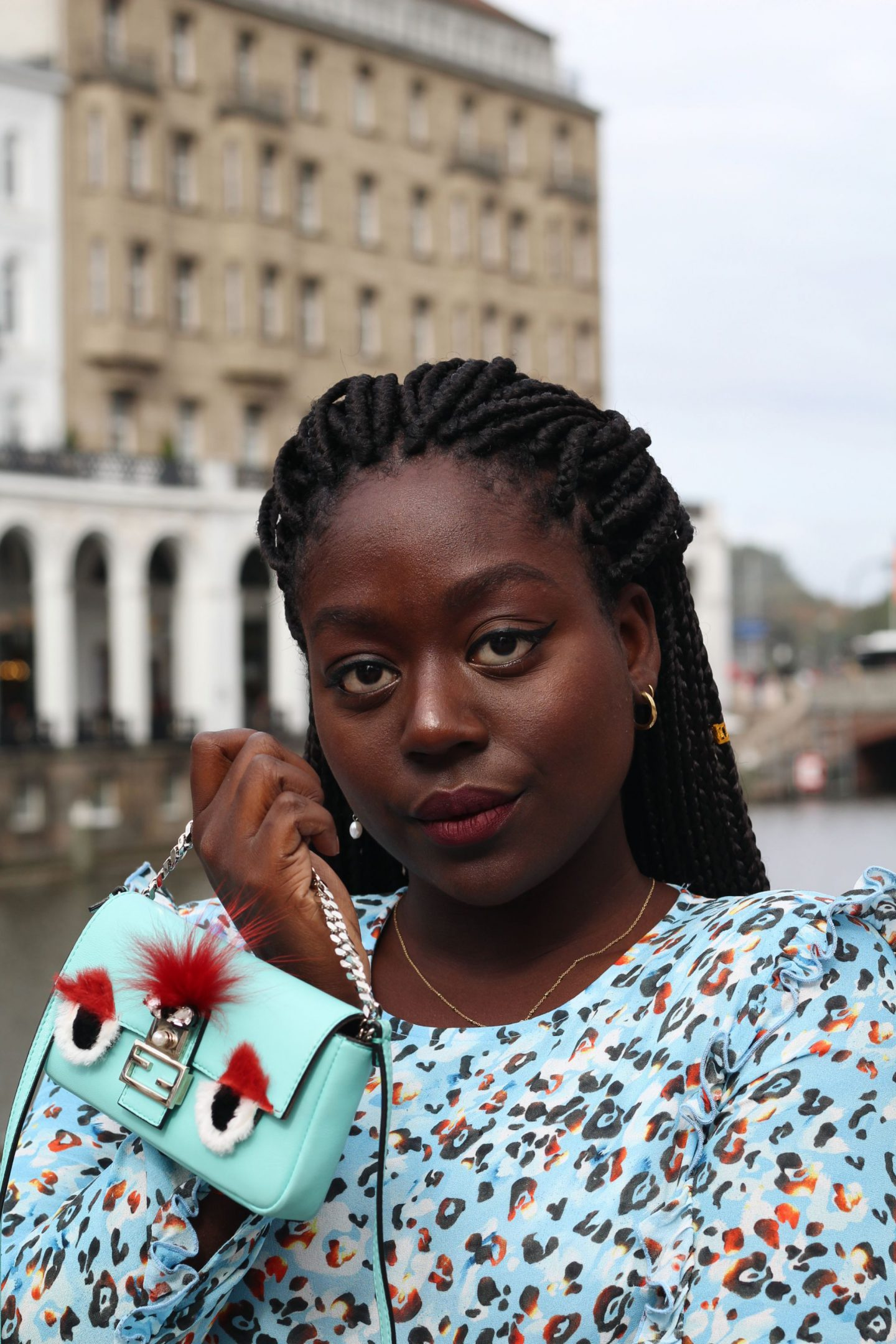 Lala_Berlin_Streetstyle_Lois_Opoku_Fashion_Blogger_Fendi_Monster_lisforlois_1